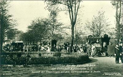 Ankunft Trauerzug L2 Garnisonsfriedhof Berlin